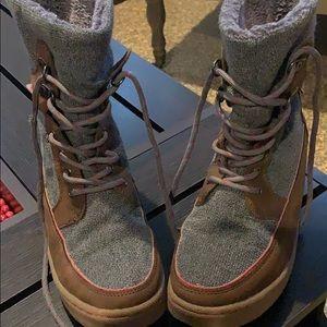 Ladies size 8 Rocket Dog boots